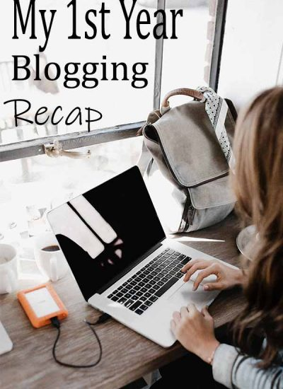 "woman with laptop captioned ""my 1st year blogging recap"""